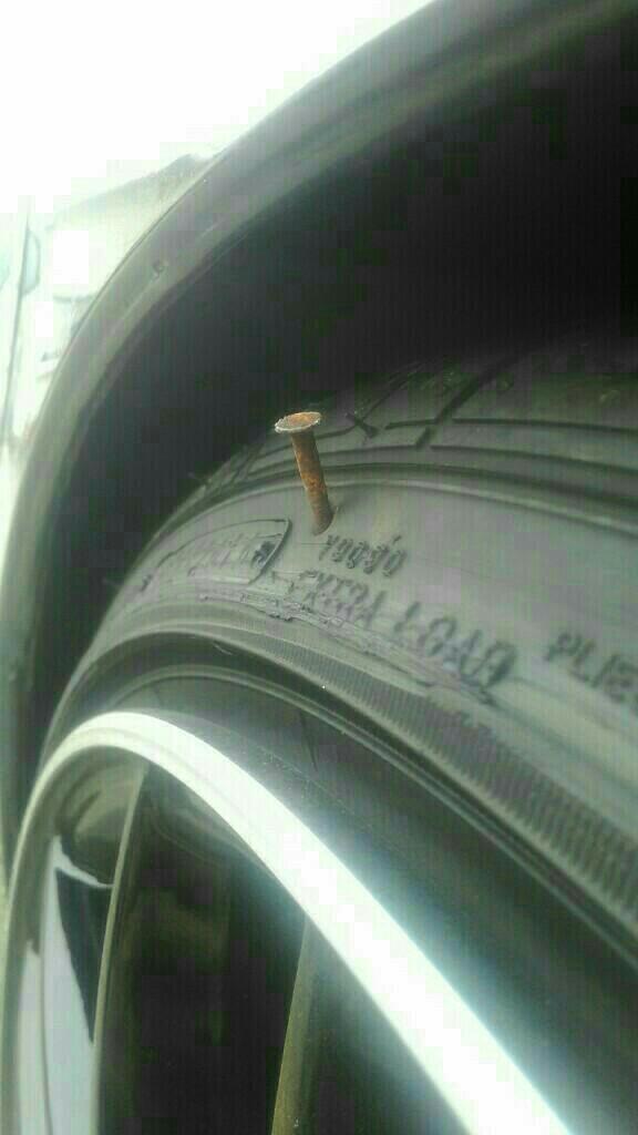 タイヤ組み替え