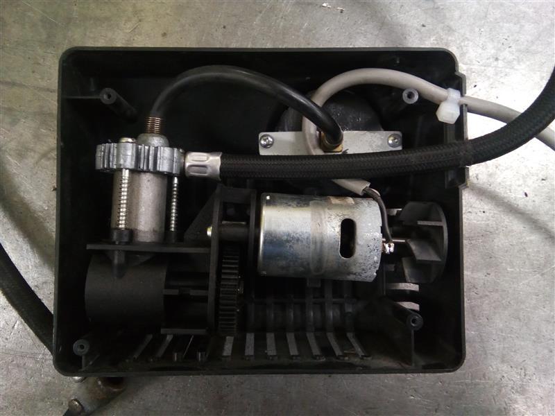 タイヤコンプレッサーの修理