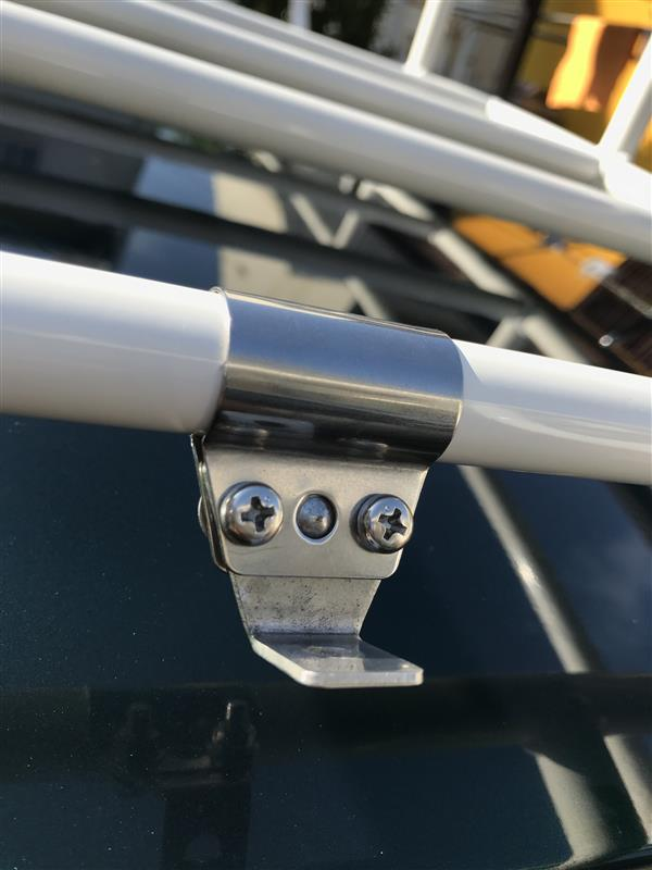 L700系ジーノにローバーMiniのルーフキャリアを取り付ける。
