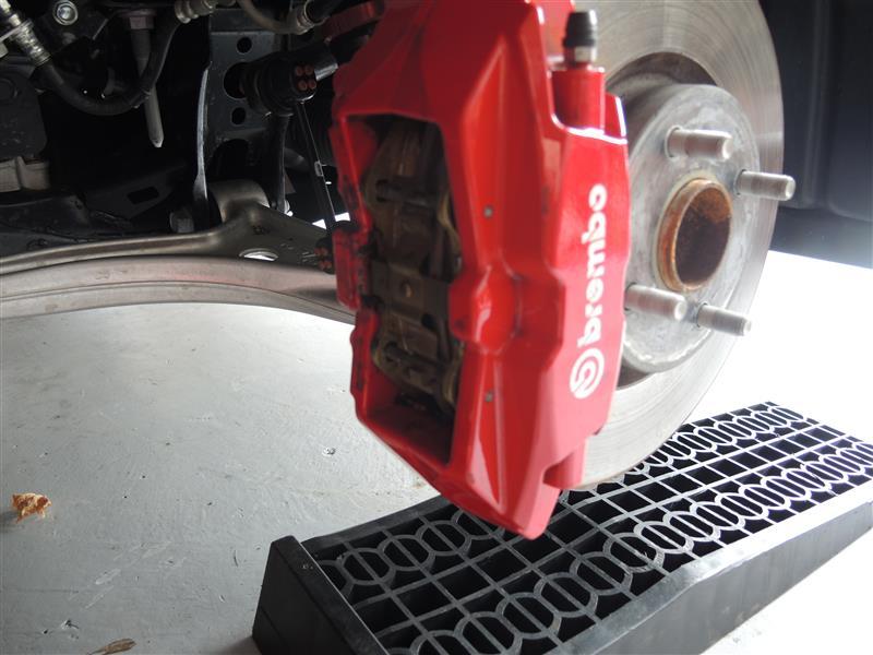 ABARTH TEZZO 124Spider ブレーキパッド交換