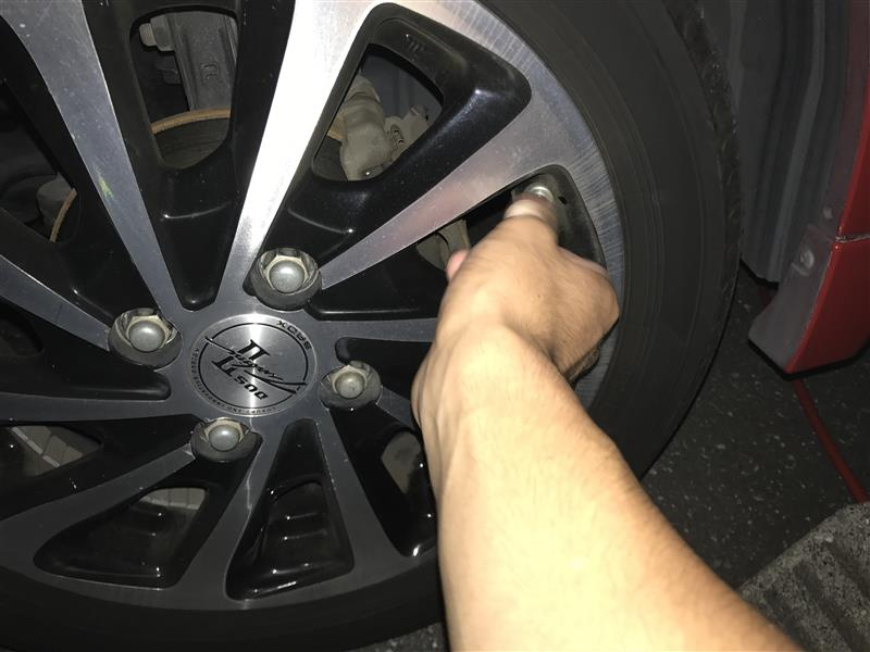 母親のワゴンR タイヤ空気圧チェック