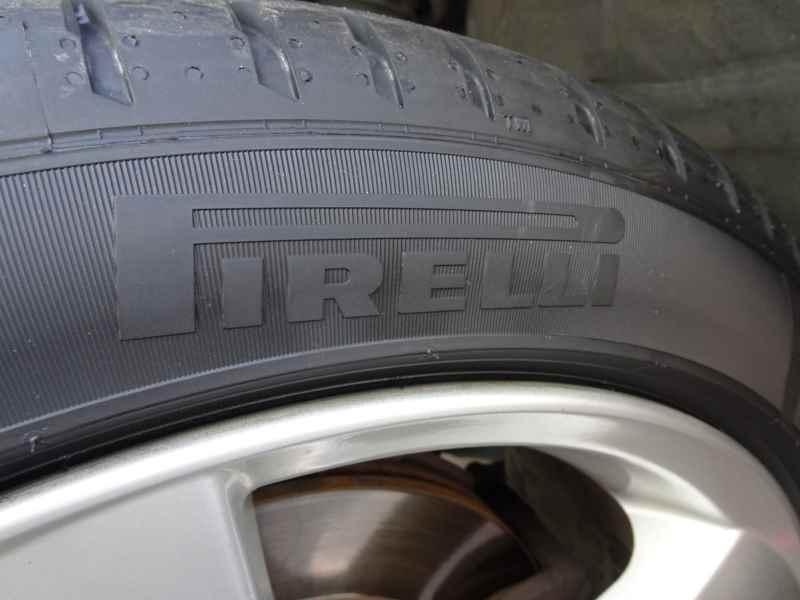 タイヤ交換 90,096km