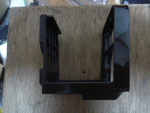 エアコンセンタールーバー交換とパネルの折れた爪修復とドリンクホルダー装着