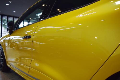 「機能美で溢れる本物のスポーツカー」ルノー ルーテシアR.S.のガラスコーティング【リボルト松本】