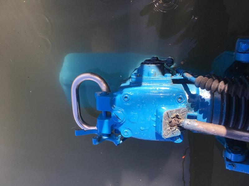 エンジンオイルとドライブ修理
