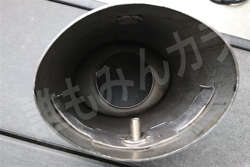 S2000風 マフラーカッター チタン BMW E63 650 に取り付け①