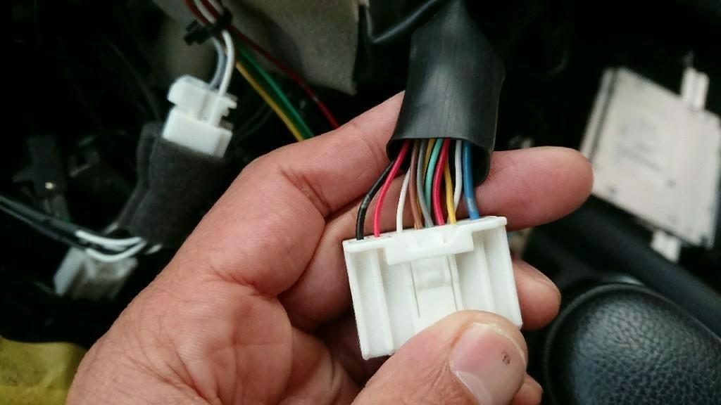 日産純正DOP(ディーラーオプション)ナビにハイローコンバーターを使い外部アンプ取り付け
