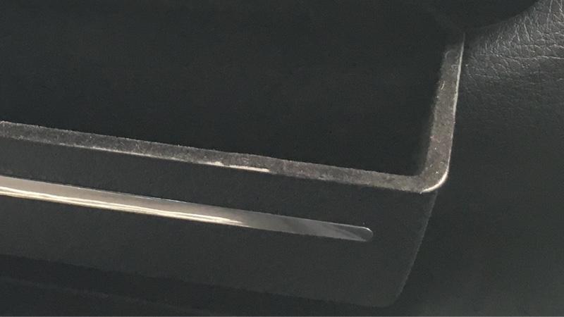 センターコントロールパネル収納ボックスの塗装と取り付け