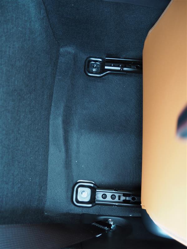シート座面角度調整