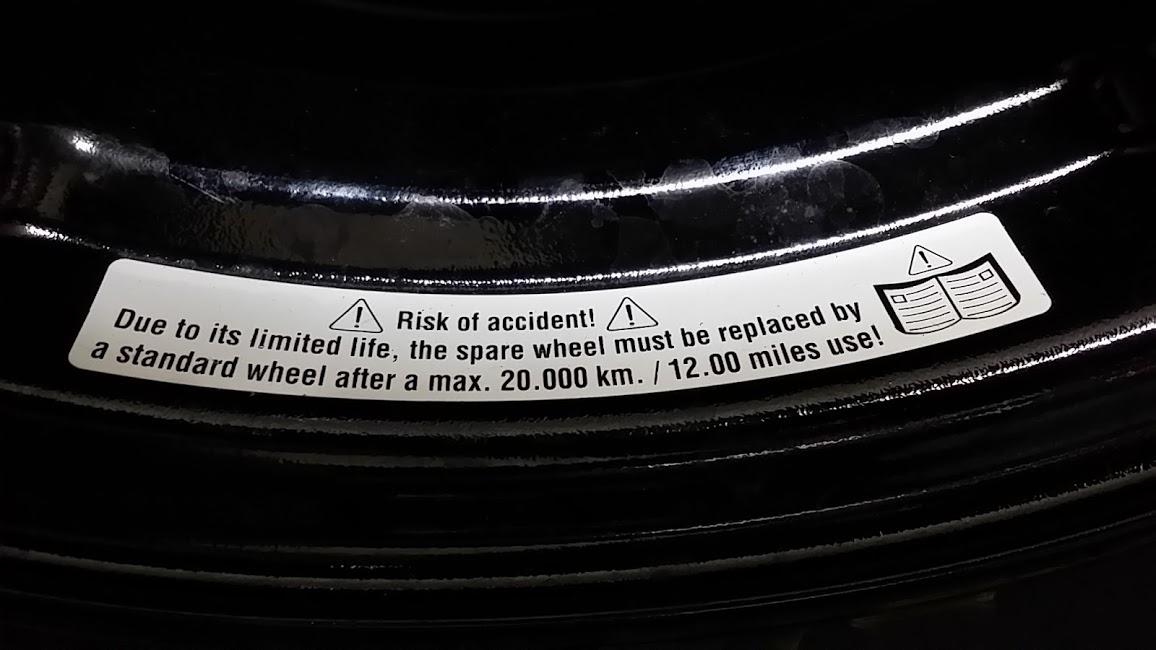 アルミ の スペアタイヤ R15 普通に ブラック