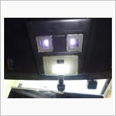 修理と交換は無事に終了できたらしく、点灯時はこんな感じです。LED仕様は白く光って明るくて良いですね♪<br /> <br /> <br /> 中央のLEDランプはスペースが狭く無理矢理押し込んだ状況なのでけっして真似しないで下さい。