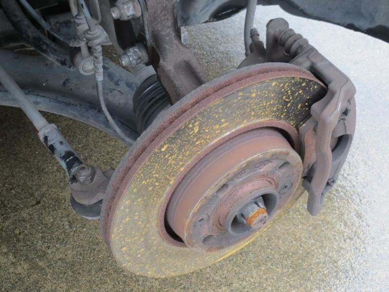 パッド使い果たして、ローターも段付きでギリギリだから交換