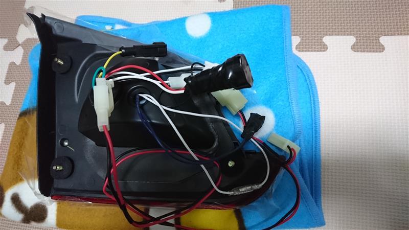 K2 GEAR GALAXY LED TAIL の取り付け-事前準備