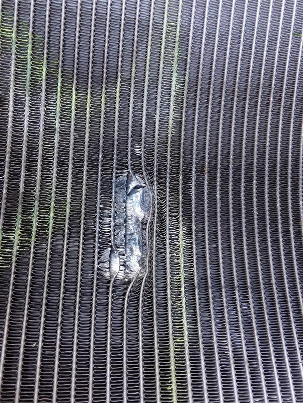 ラジエター修理とクラッチレリーズのオーバーホール