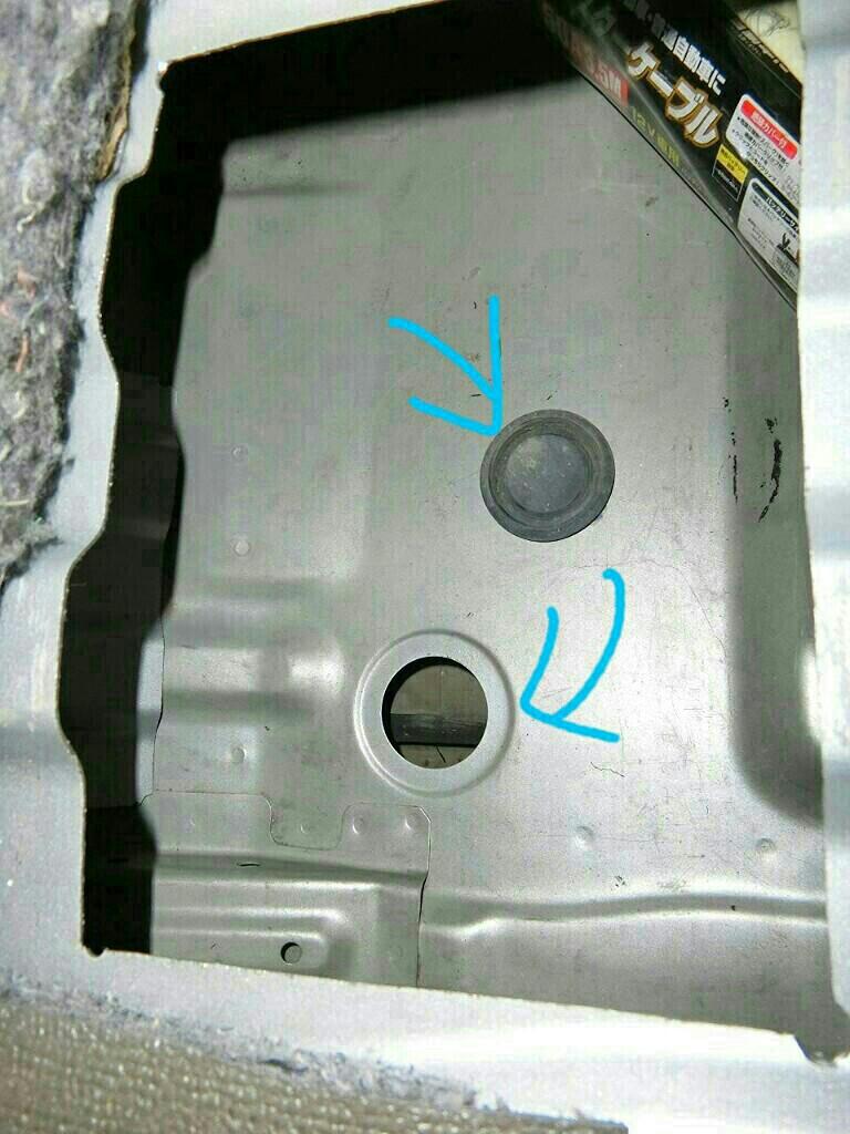 DA64Vエブリイ : サブバッテリー置き場の確保、その2。