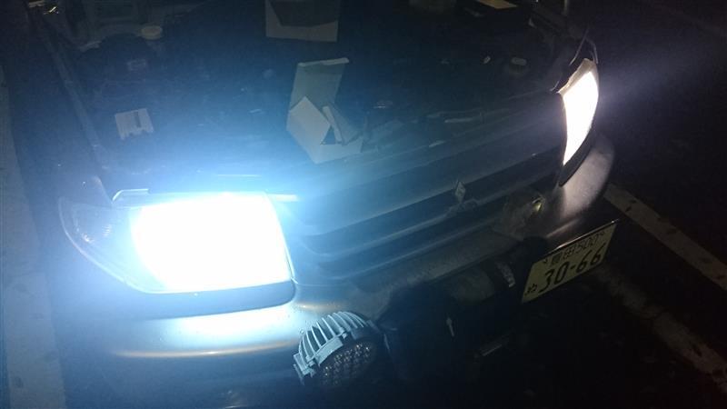 LED 対 HID  比較