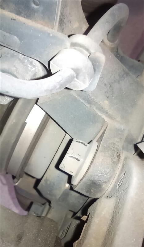 L902sブレーキローター交換&パット交換