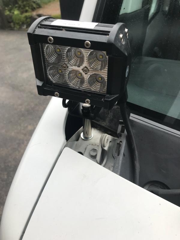 LEDランプをサーチライトっぽく付ける。