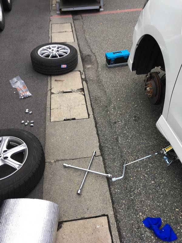 冬支度タイヤ交換