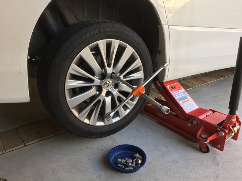 タイヤ交換 スタッドレスへ & ガラス コーティング