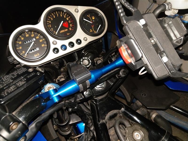 デイトナ製 バイク専用電源 2.1A USB×2 取付