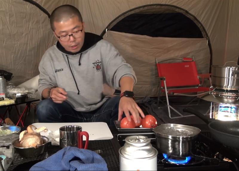 身体の芯まで温まる鶏肉とトマトのリゾットでソロキャンプを楽しくすごそう【成田ゆめ牧場ファミリーオート