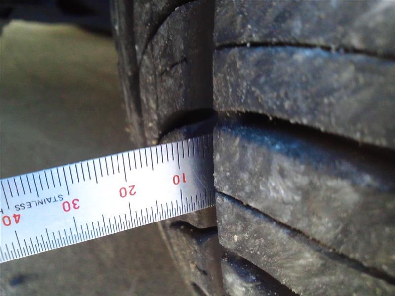 P1 タイヤ溝深さ点検