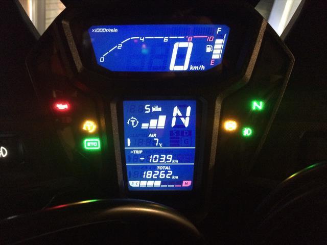 グリップヒーターコントロールユニットの交換