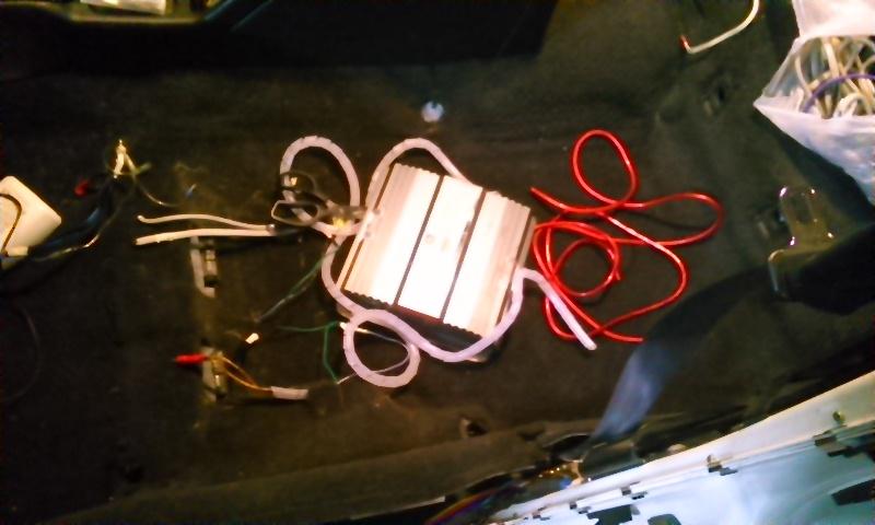 アンプ取付準備&遮音作業(1)