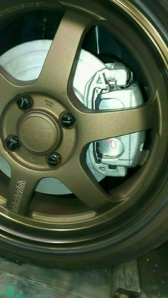 zn6(86)用ブレーキキャリパー移植作業⑤(車両装着)