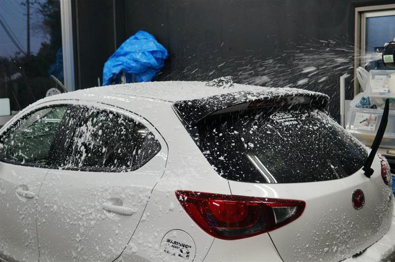 デミオ 洗車に御来店が^^