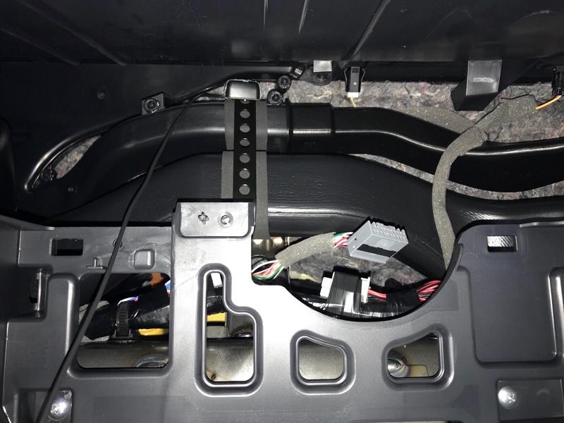 ナビ[CN-F1XD]取り付け③GPSアンテナ、地デジアンテナ設置