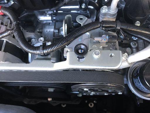 レガシィtS用エンジンカバー取付