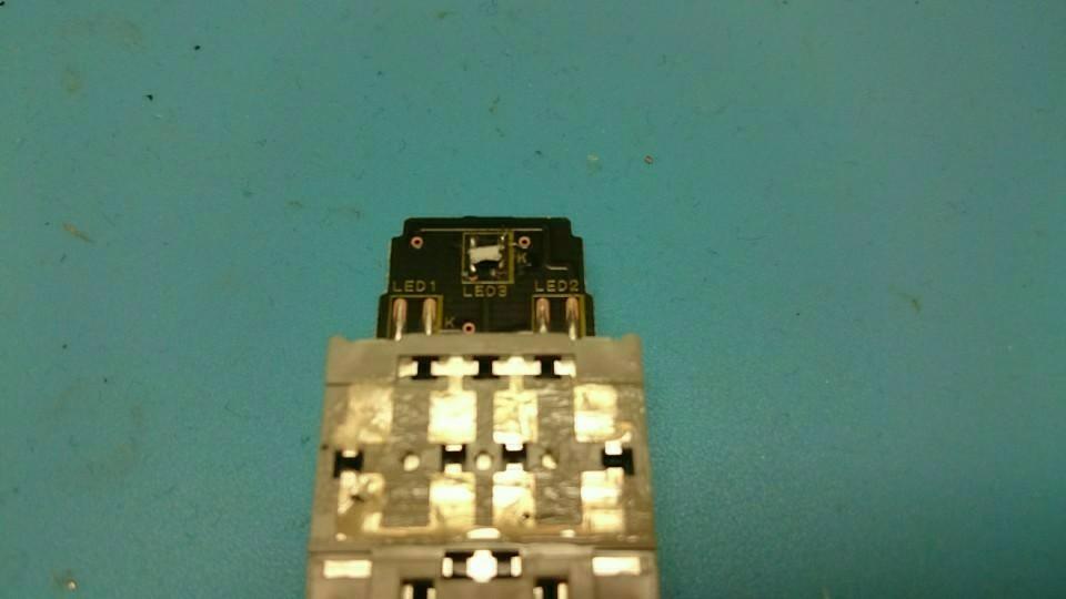 ルームランプスイッチ LED打ち換え その①