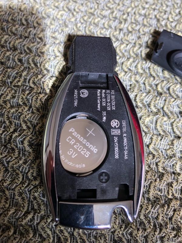 メルセデス  スマートキー電池交換