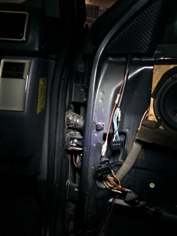 ドア キャッチ ストッパー交換