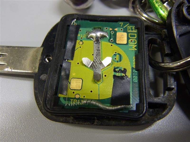 リモコンキー電池交換と電波増幅加工