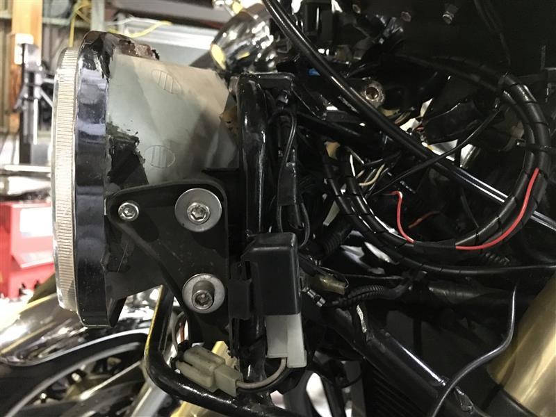 マルチリフレクター化 レンズ側の長穴加工