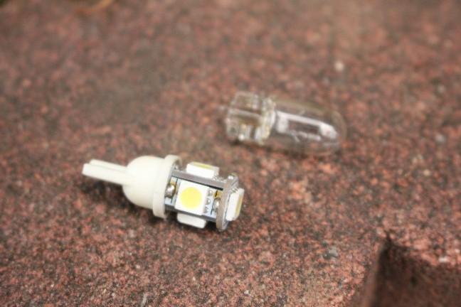 2017.12.24_ライセンスランプ球LEDへ交換