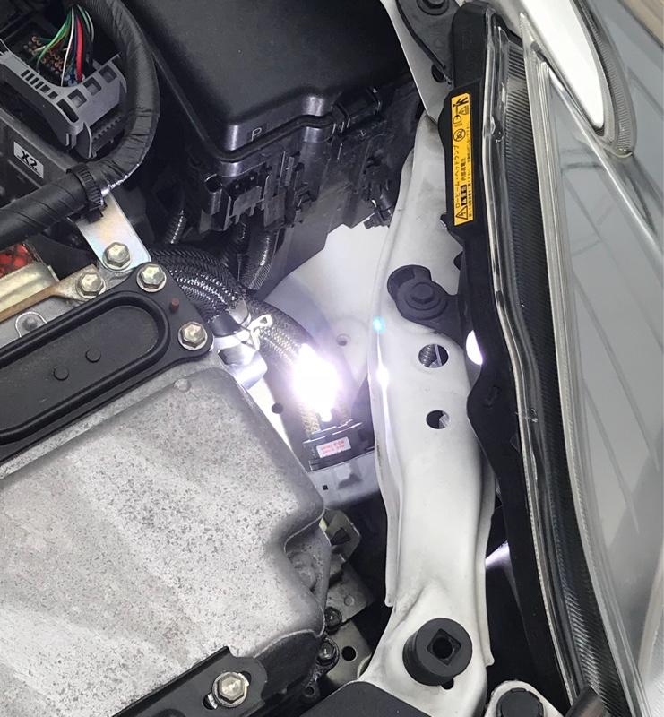 ヘッドライト HIDバーナー交換
