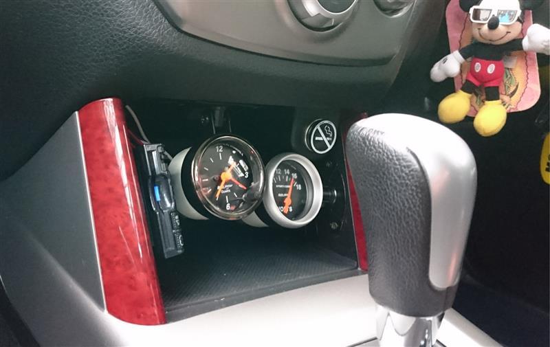 電圧&時計追加