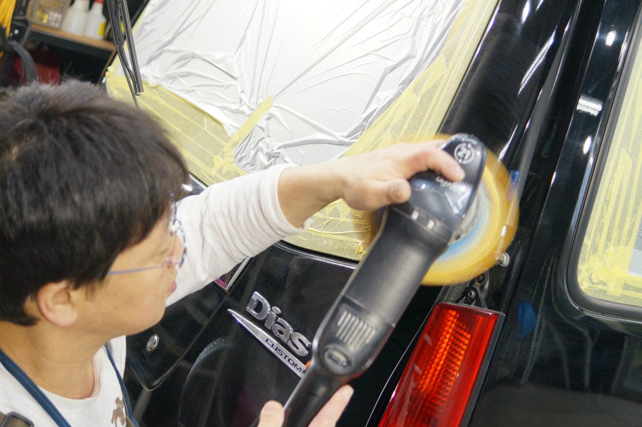 サンバーDIAS  supercharger 塗装面を整えていきます^^