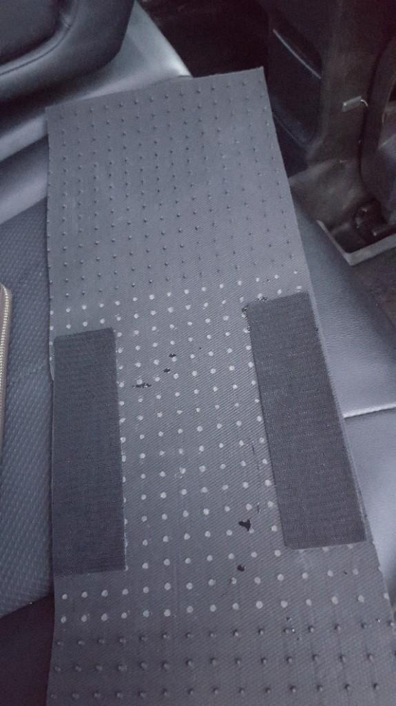 後部座席中央マット制作加工