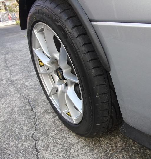 タイヤ交換・TOYO PROXES T1R 195/50R15