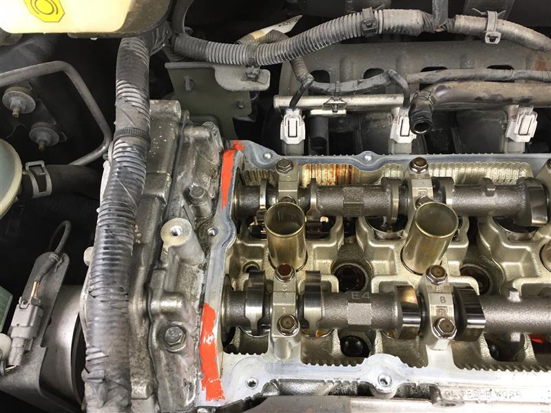 エンジンヘッドカバーオイル漏れ修理2