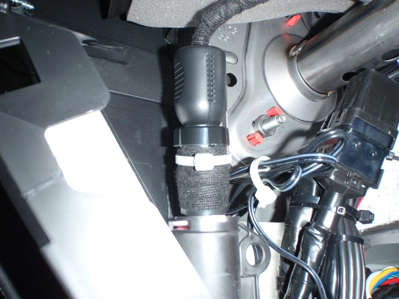 ドライブレコーダー取付け-カメラは前後両方-