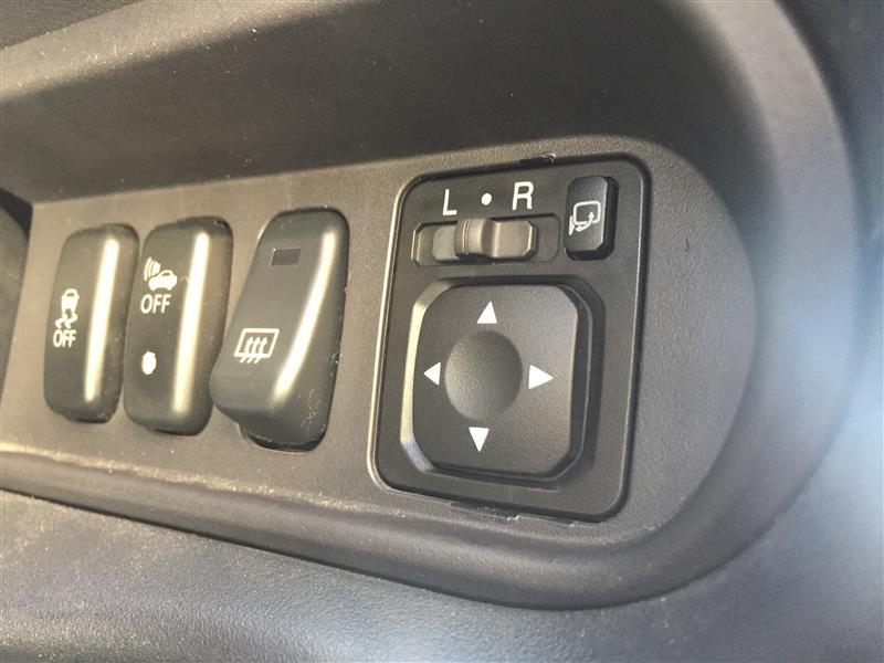 i-MiEVドアミラー操作スイッチのイルミ点灯化(配線編)