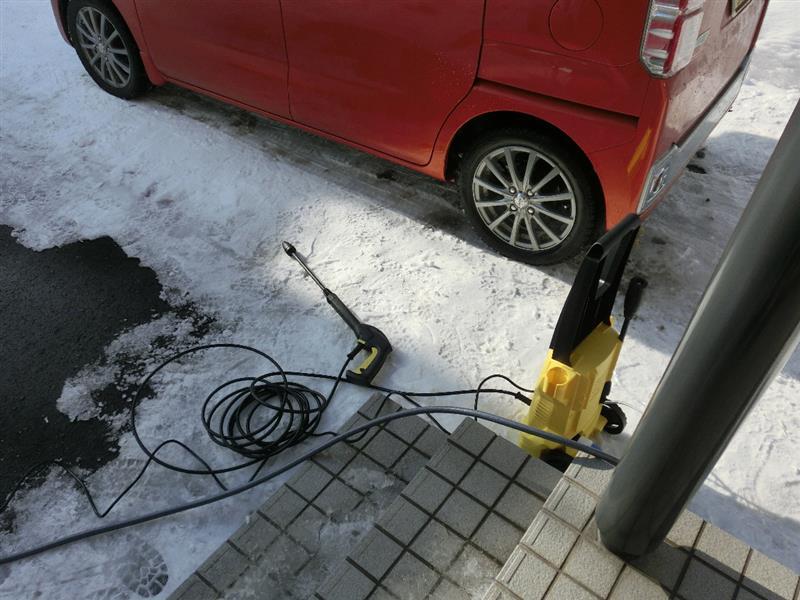 家庭用高圧洗浄機で洗車