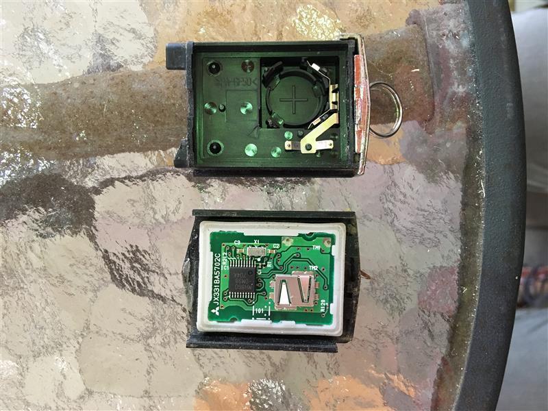 リトラクタブルキー電池交換