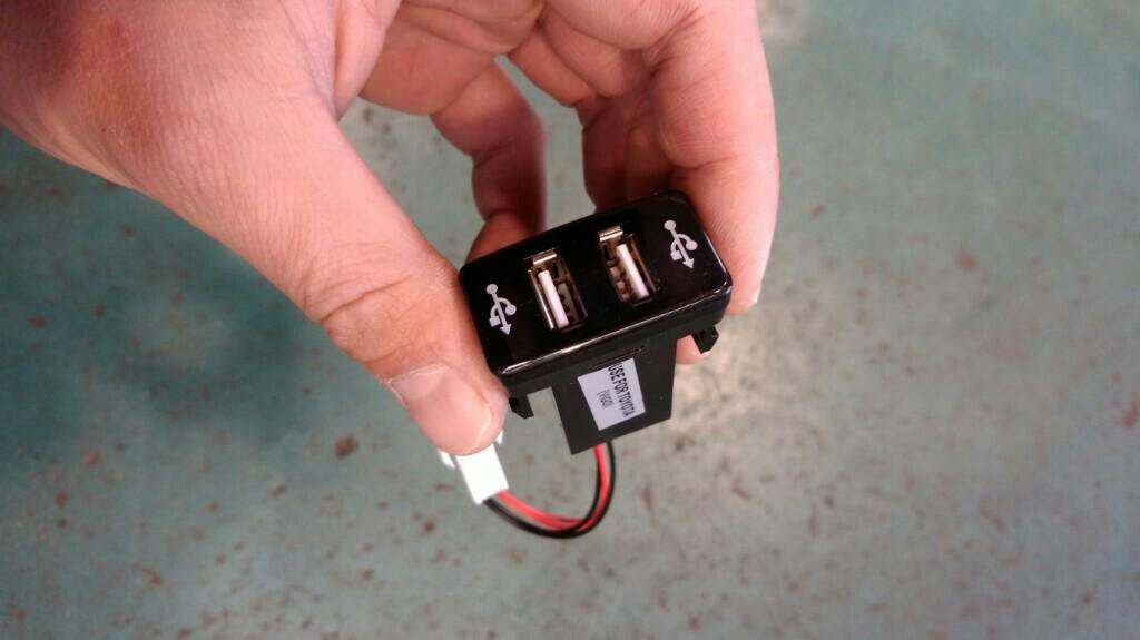 USB電源取り付け